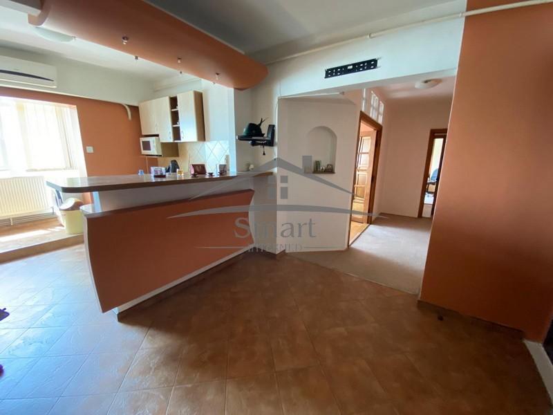 Pacurari-Autocenter, 2 camere, 64 mp, bloc 1991, vedere superba!