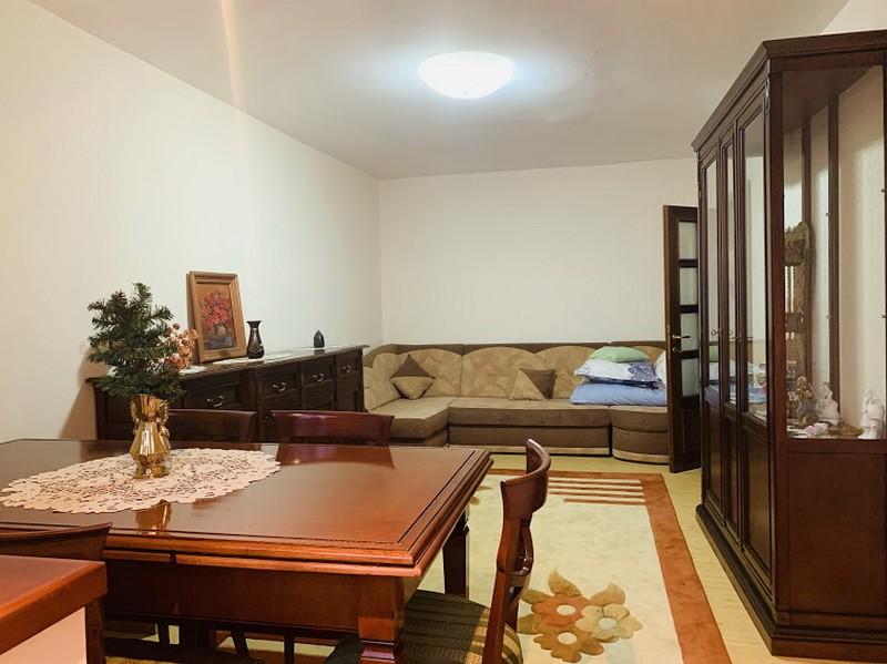 Arcu-Billa, apartament 3 camere, 78 mp, etaj intermediar