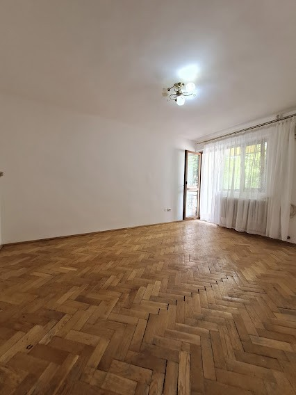Bd Independentei, langa UMF, 2 camere, etaj 1, 51mp,liber