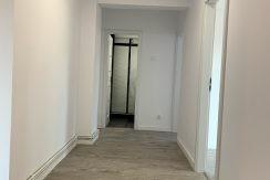 Centru Civic-Moldova Center,3 camere,etaj 2,totul nou!